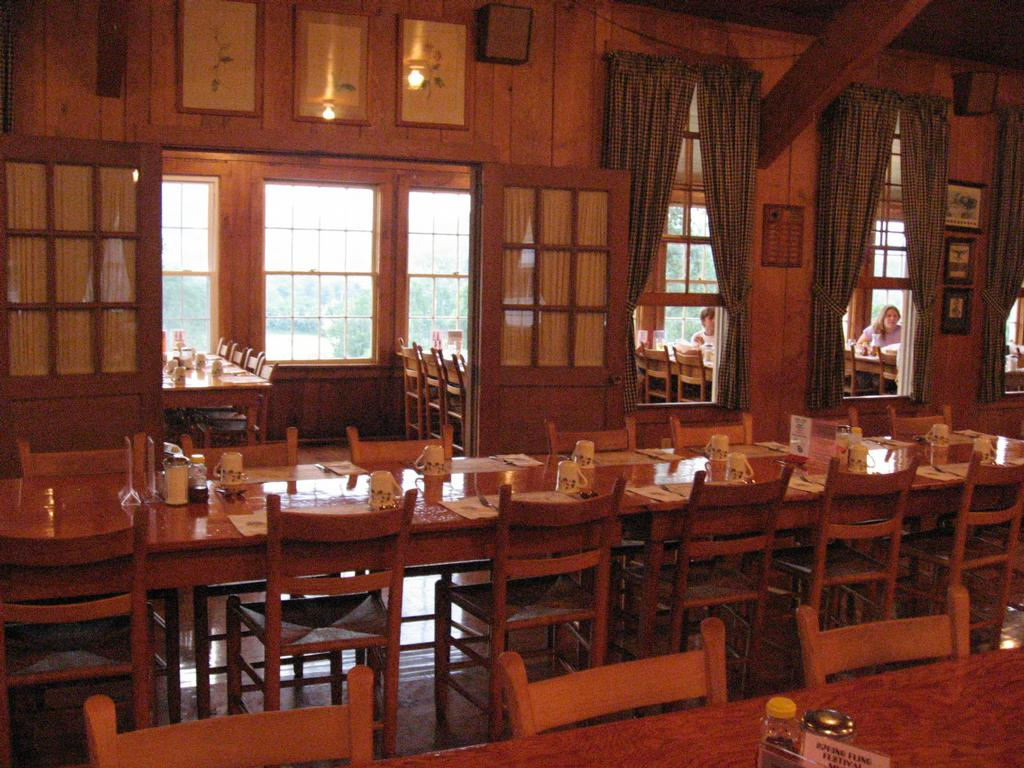 Graves Mountain Lodge